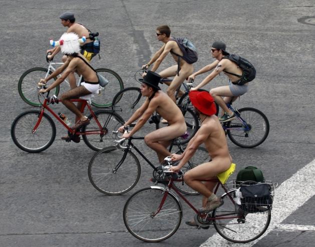 dünya çıplak bisiklete binme günü