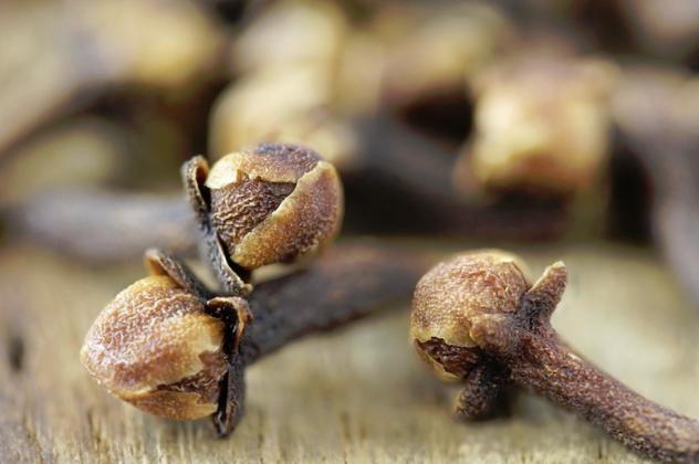 cinsel-gucu-artirici-yiyecekler-karanfil